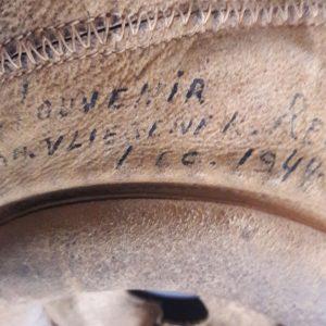 Detail Helm Reed